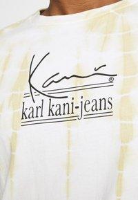 Karl Kani - SIGNATURE TIE DYE UNISEX - T-shirt à manches longues - white - 3