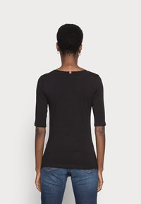 Tommy Hilfiger - ESSENTIAL SOLID - Basic T-shirt - black - 2