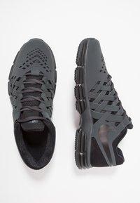 Nike Performance - LUNAR FINGERTRAP TR - Zapatillas de entrenamiento - anthracite/black - 1