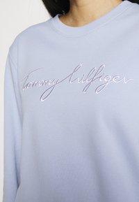 Tommy Hilfiger - REGULAR GRAPHIC - Sweatshirt - breezy blue - 4