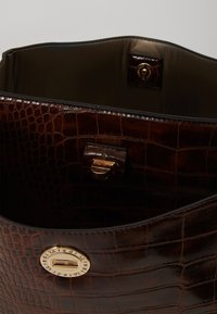 L. CREDI - FEODORA - Handbag - braun - 2