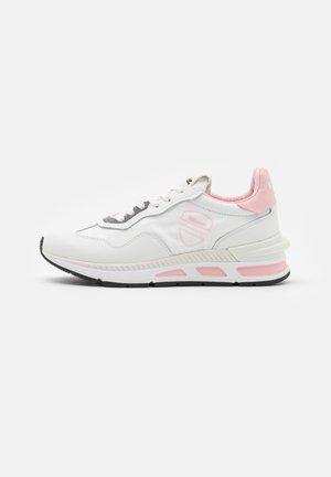 Tenisky - white/pink