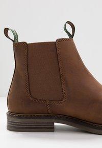 Barbour - FARSLEY - Kotníkové boty - dark tan - 5