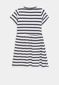 Lemon Beret - TEEN GIRLS DRESS - Jersey dress - optical white - 1
