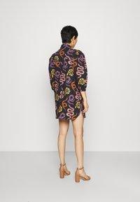 Farm Rio - SNAKES MINI DRESS - Shirt dress - multi - 2