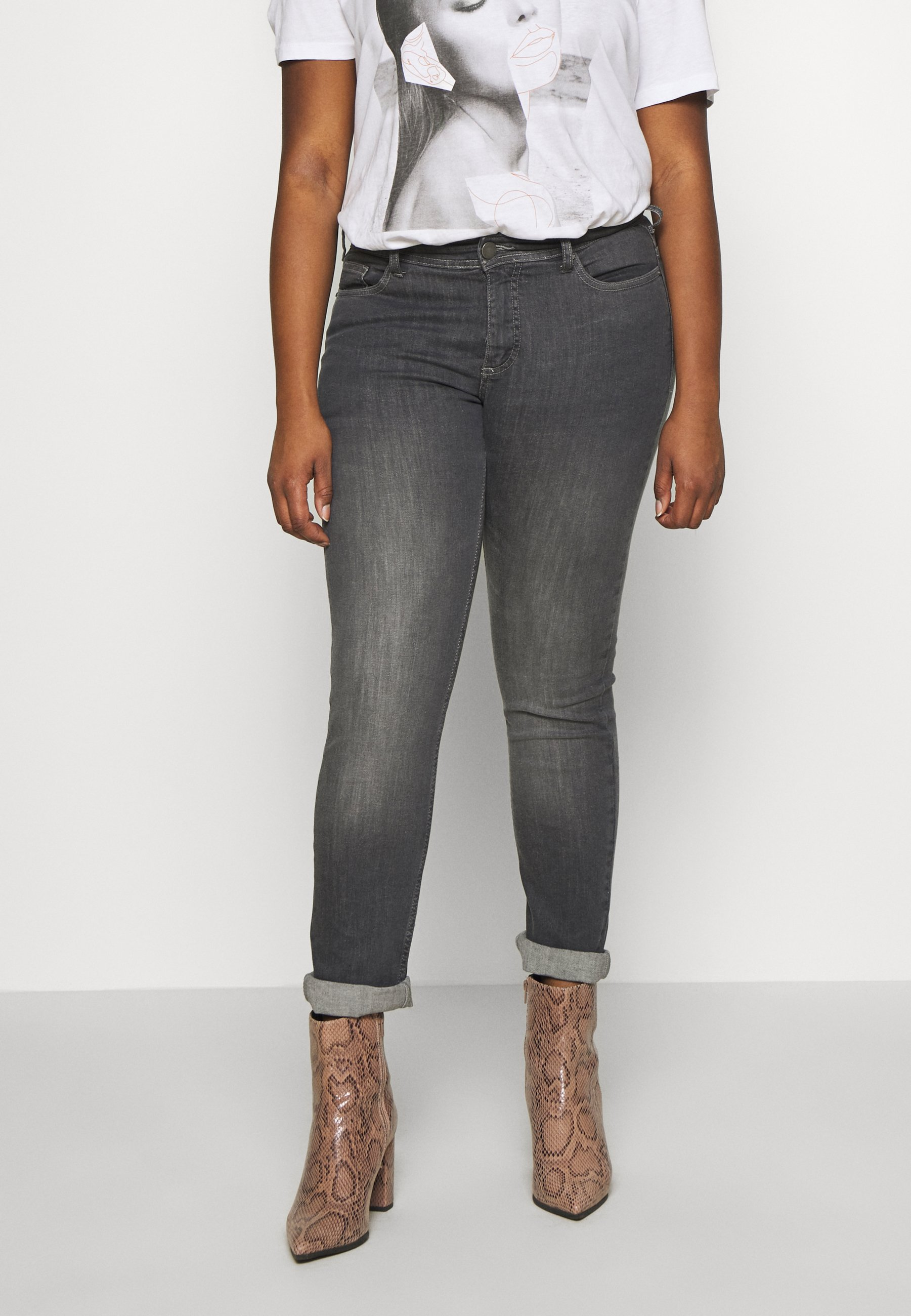 Korting Best Verkopende Dameskleding sdkjGX55lghisd Zizzi EMILY FIT Slim fit jeans grey denim zjHQv0P