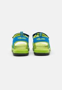 TrollKids - KIDS ORRESTRAND UNISEX - Chodecké sandály - medium blue/lime - 2