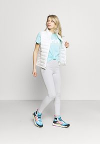 Helly Hansen - LOGO - Print T-shirt - glacier blue - 1
