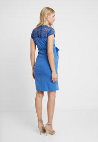 MAMALICIOUS - MLBLACKIE MIVANA CAP DRESS - Vestido de tubo - mazarine blue - 3