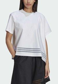 adidas Originals - Print T-shirt - white - 5