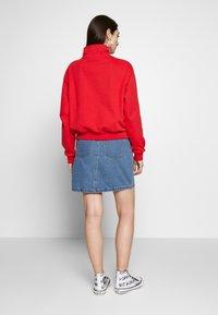 Levi's® - LOGO - Sweatshirt - brilliant red - 2