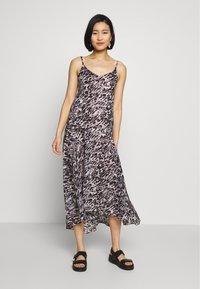 AllSaints - ESSIE AMBIENT DRESS - Kjole - pale grey - 1