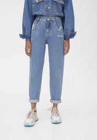 PULL&BEAR - SLOUCHY - Jeans straight leg - blue - 0