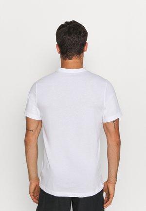 TEE TRAIL - T-shirt imprimé - white
