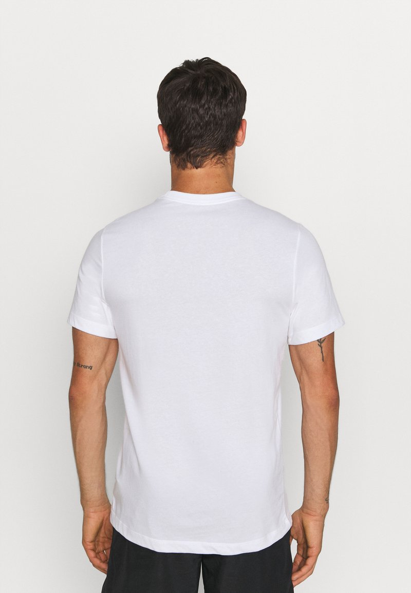 Nike Performance - TEE TRAIL - T-shirt med print - white