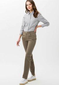 BRAX - STYLE MARY - Trousers - khaki - 1