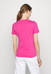 Versace Jeans Couture - Print T-shirt - pink/silver - 2