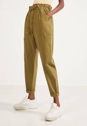 PAPERBAG-HOSE  - Pantalon classique - khaki