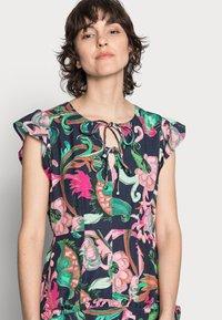 Thought - ESTELLE A-LINE DRESS - Denní šaty - navy - 3