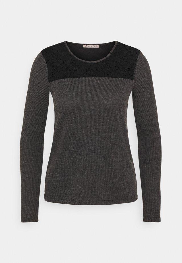 Top sdlouhým rukávem - mottled dark grey