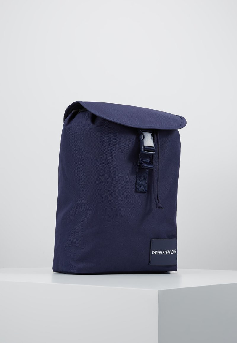 Calvin Klein Jeans - LOGO TAPE FLAP BACKPACK - Rucksack - blue