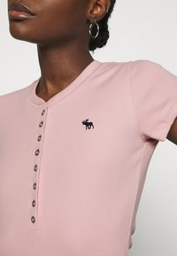 Abercrombie & Fitch - HENLEY - Basic T-shirt - pink - 5