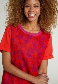 Oui - Jersey dress - red violett - 3
