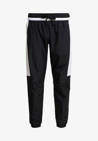 Nike Sportswear - AIR - Verryttelyhousut - black/white - 4