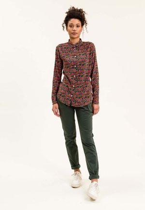 CHRISTINEINA - Button-down blouse - grün