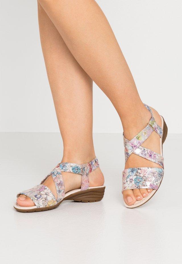 Sandalen met sleehak - puder