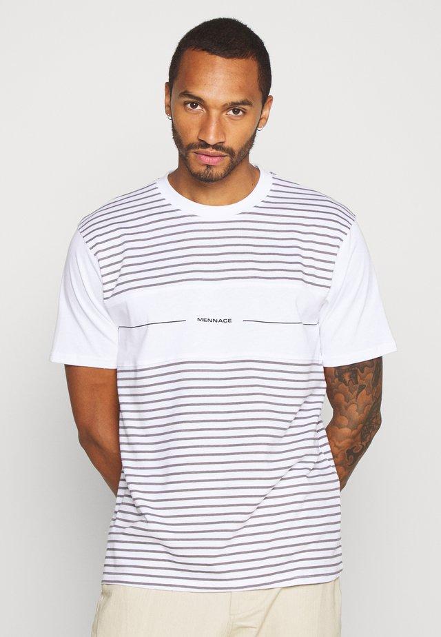 PANEL BLOCK TEE - Print T-shirt - white