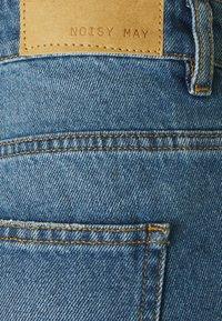 Noisy May Tall - NMAMANDA ANKLE - Straight leg jeans - medium blue denim - 2