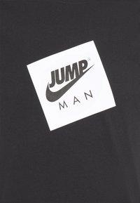 Jordan - JUMPMAN BOX CREW - T-shirt med print - black/white - 5