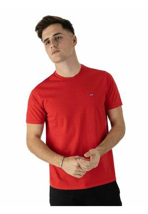 Camiseta básica - true red