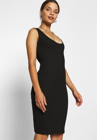 Even&Odd Petite - Shift dress - black - 3