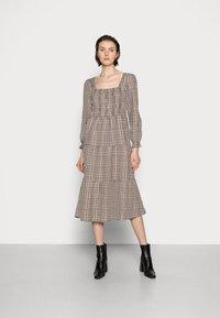 Cream - ULLA DRESS - Day dress - truffet check - 0