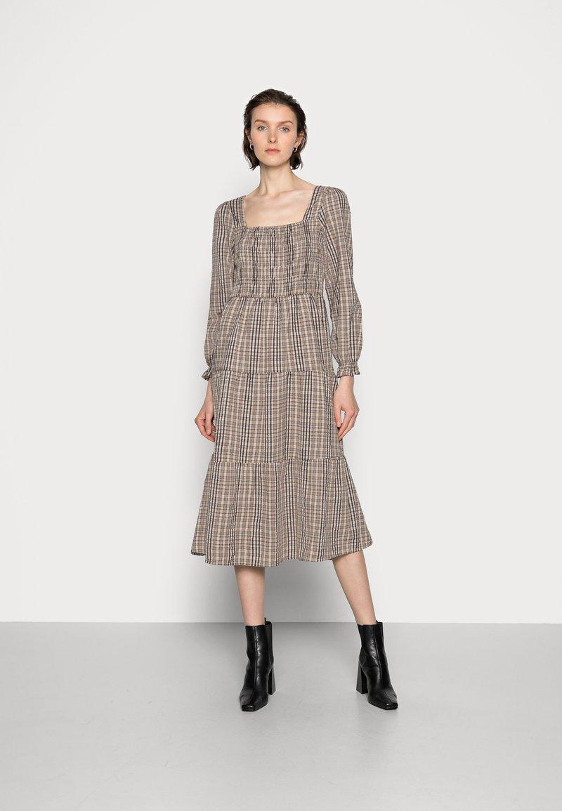 Cream - ULLA DRESS - Day dress - truffet check