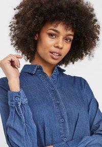 Vero Moda - Maxi dress - medium blue denim - 3