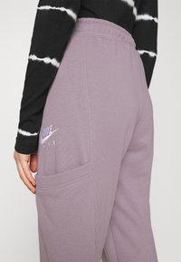 Nike Sportswear - AIR PANT - Tracksuit bottoms - purple smoke/white - 5