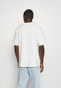 adidas Originals - SPORTS INSPIRED LOOSE SHORT SLEEVE TEE - Print T-shirt - off white - 2