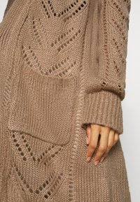Fashion Union - MAXI - Chaqueta de punto - beige - 4