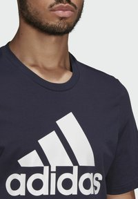 adidas Performance - T-shirt z nadrukiem - dark blue - 3