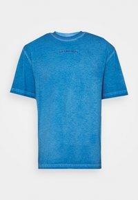 Han Kjøbenhavn - BOXY TEE - Print T-shirt - faded blue - 6