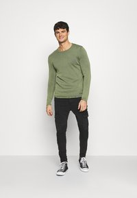 Only & Sons - ONSGARSON LIFE WASH CREW - Jumper - scarab - 1
