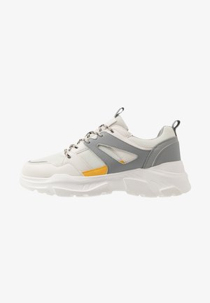 OSKAR CHUNKY - Trainers - white/grey/yellow