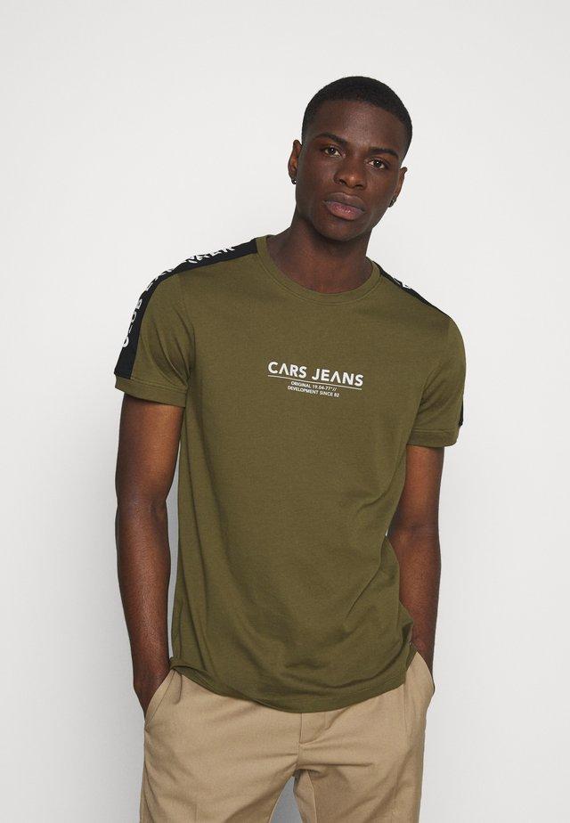 NEZZ - T-shirt imprimé - army