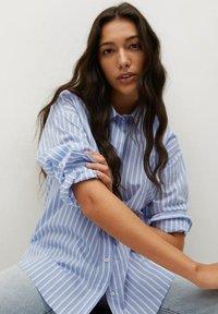 Mango - VERA-I - Button-down blouse - bleu - 4