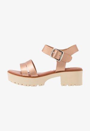 PLEXY - Platform sandals - rosa metalizada