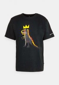 Converse - BASQUIAT GRAPHIC TEE UNISEX - Camiseta estampada - black - 3