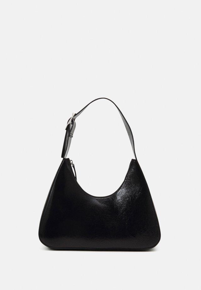 HAYDEN BAG - Handväska - black